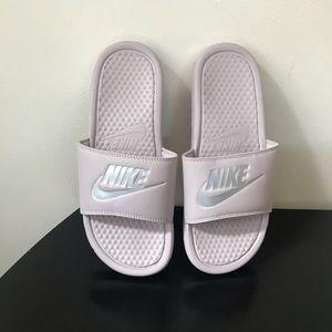 Nike Benassi Particle Mauve Silver Slides